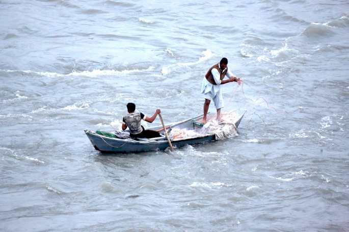 indus river Boats-along-the-Indus-ii-Hassan-Shah